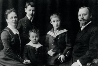 Heinrich Himmler, con sus padres y hermanos. Ernst, el pequeo, 